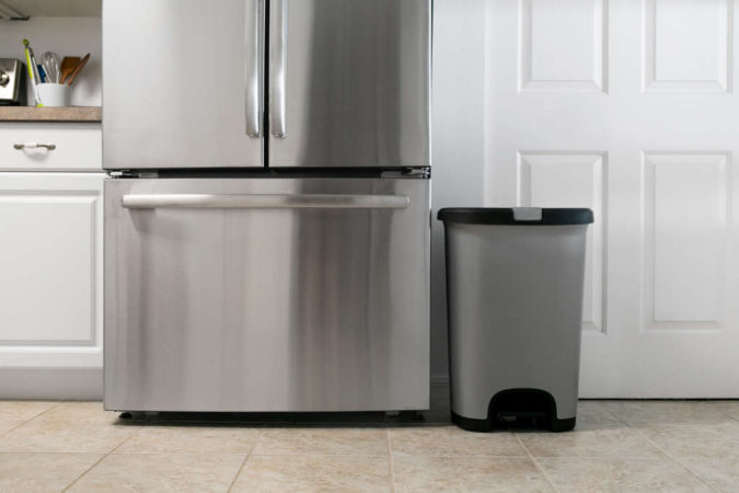 kitchen-garbage-2-675x450 10 Ways to Keep Your Home Smelling Clean and Fresh