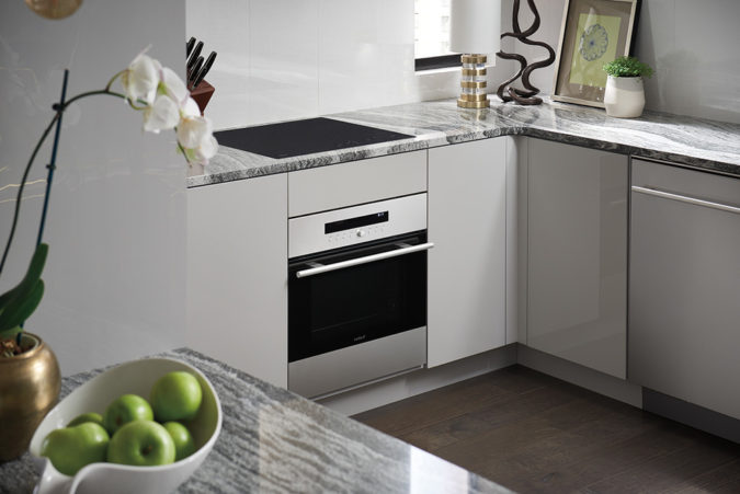 small-stove-small-kitchen-675x451 Choosing Best Stove for Your Home
