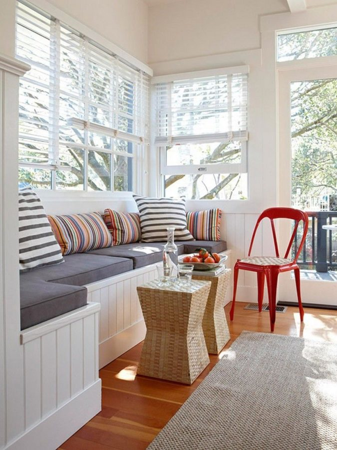 small-sunroom-2-675x900 25 Stunning Interior Decorating Ideas for Sunrooms