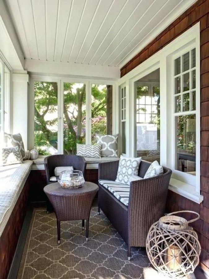 small-sunroom-3-675x899 25 Stunning Interior Decorating Ideas for Sunrooms