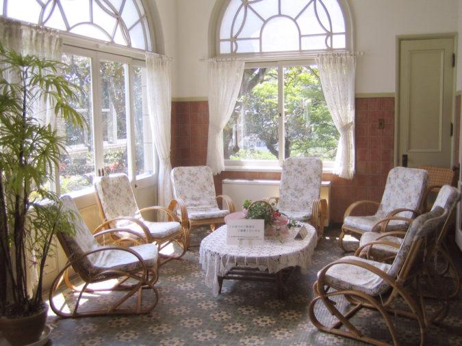 sunroom-675x506 25 Stunning Interior Decorating Ideas for Sunrooms