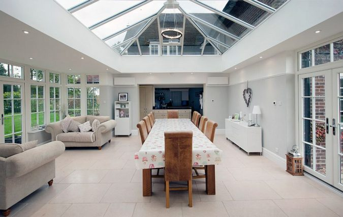 sunroom-with-Glass-ceilings-675x426 25 Stunning Interior Decorating Ideas for Sunrooms