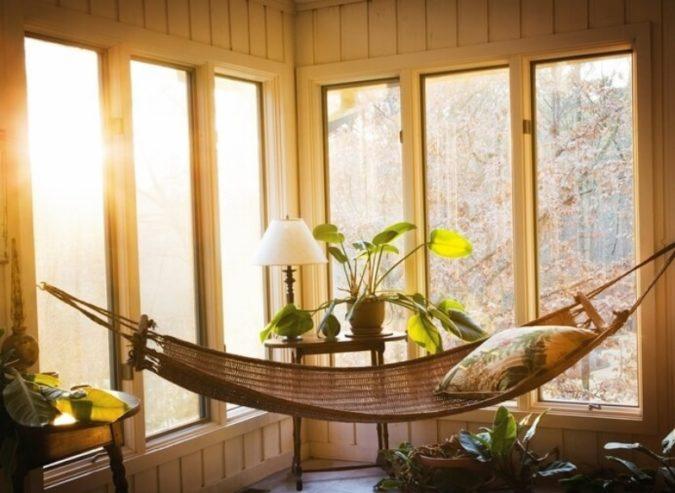 sunroom-with-hammock-675x493 25 Stunning Interior Decorating Ideas for Sunrooms