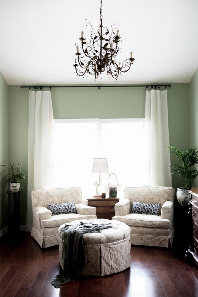 traditional-sunroom-675x1011 25 Stunning Interior Decorating Ideas for Sunrooms