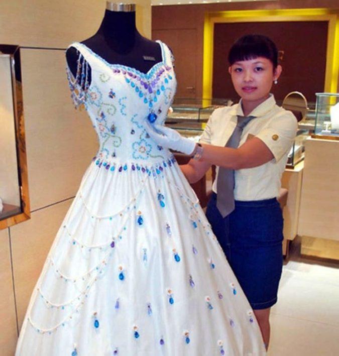 9999-Carat-Gems-1-675x709 15 Most Expensive Celebrity Wedding Dresses