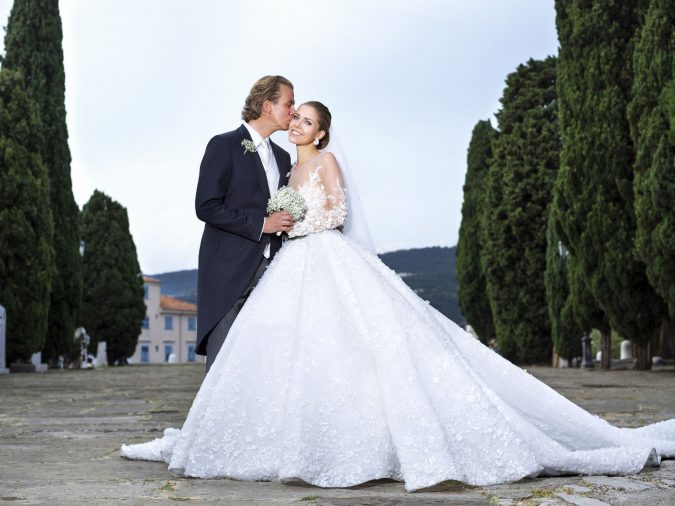 Crystal-gown-1-675x506 15 Most Expensive Celebrity Wedding Dresses