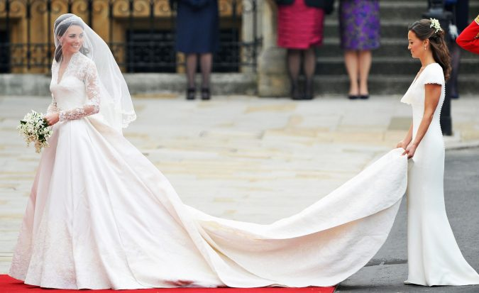 Duchess-Kates-wedding-gown-675x413 15 Most Expensive Celebrity Wedding Dresses