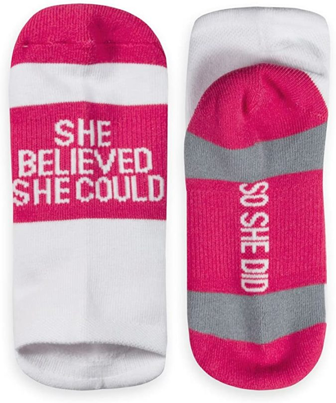 Inspirational-Running-Socks-675x809 10 Motivational Gifts for Friends Who Need a Present