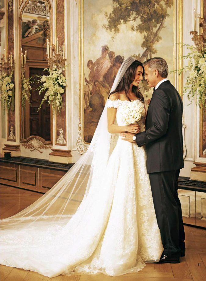 Oscar-de-la-Renta-gown.-675x919 15 Most Expensive Celebrity Wedding Dresses