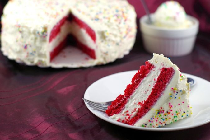 Red-Velvet-Ice-Cream-Cake-675x450 Top 20 Most Delicious and Popular Cakes in the USA
