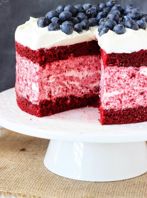 Red-Velvet-Ice-Cream-Cake. Top 20 Most Delicious and Popular Cakes in the USA