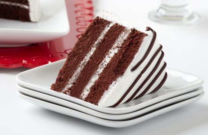 Ukrops-cake-675x439 Top 20 Most Delicious and Popular Cakes in the USA