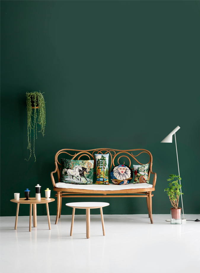 home-decor-olants-green-wall-675x924 Affordable Interior Design Tips to Make Your Home Look Luxurious
