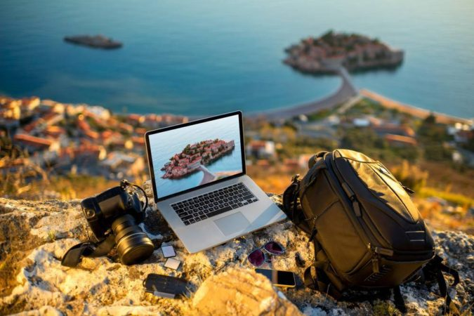 travel-blogger.-675x450 How to Become a Travel Blogger? 10 Must Steps to Follow