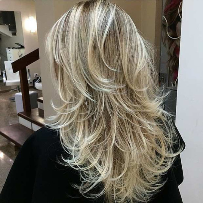 Blonde-layers.-1-675x674 20 Most Trendy Hairstyles for Women over 40 to Look Younger