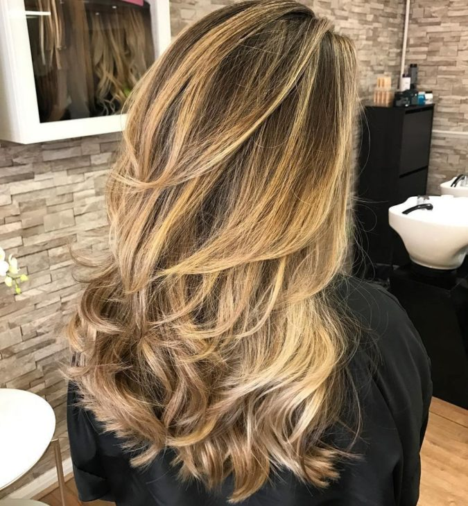 Blonde-layers.-675x730 20 Most Trendy Hairstyles for Women over 40 to Look Younger
