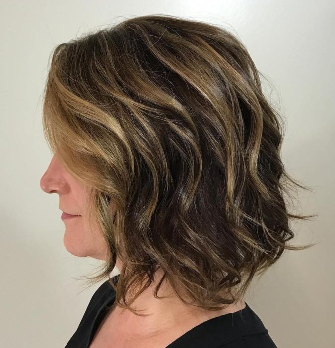 Loose-Curls-675x701 20 Most Trendy Hairstyles for Women over 40 to Look Younger
