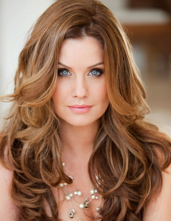 Loose-Curls. 20 Most Trendy Hairstyles for Women over 40 to Look Younger