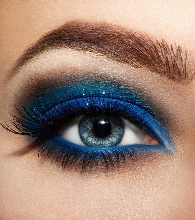 Pops-of-Blue-1-675x759 Best 10 Colorful Face Makeup Looks to Try in 2020