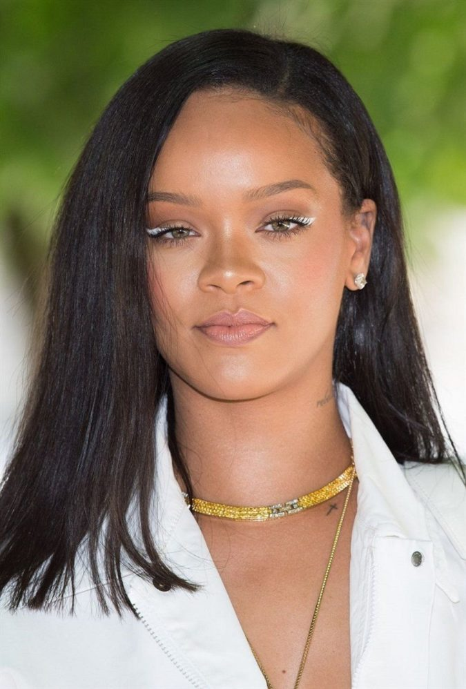 Rihanna-675x998 Best 10 Colorful Face Makeup Looks to Try in 2021
