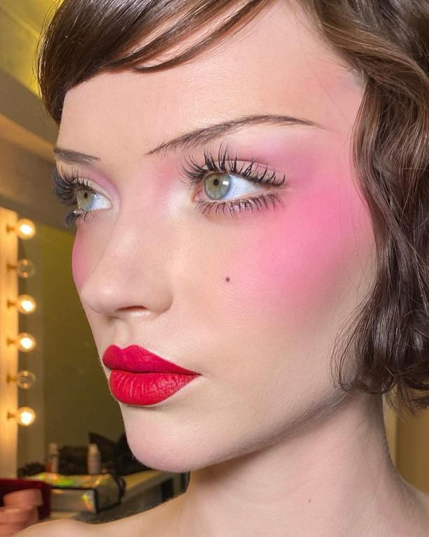 Royal-Blush Best 10 Colorful Face Makeup Looks to Try in 2021