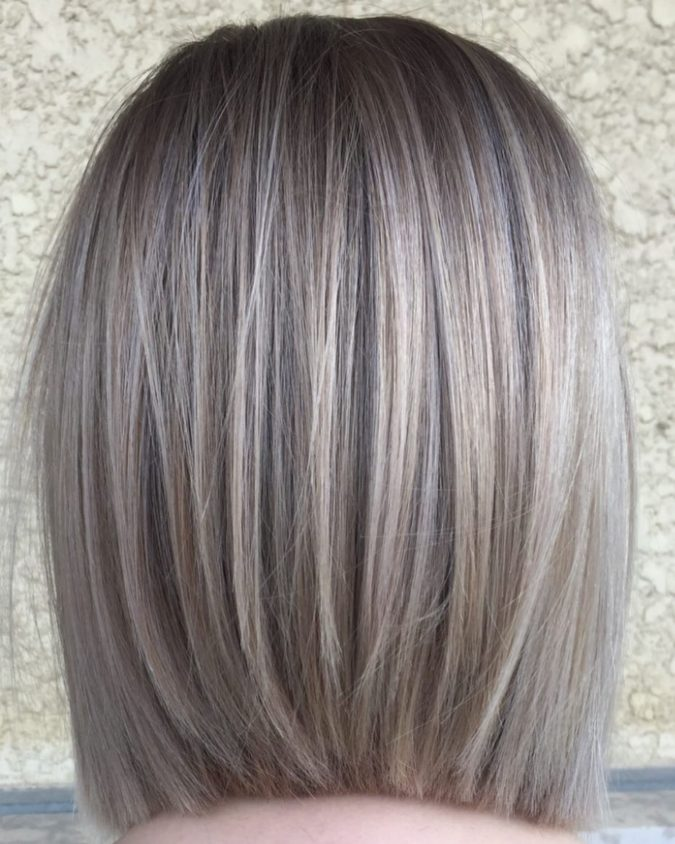 Straight-silver-look.-675x844 15 Beautiful Gray Hairstyles that Suit All Women Over 50