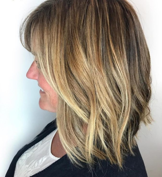 Summer-Hairstyle-675x735 20 Most Trendy Hairstyles for Women over 40 to Look Younger