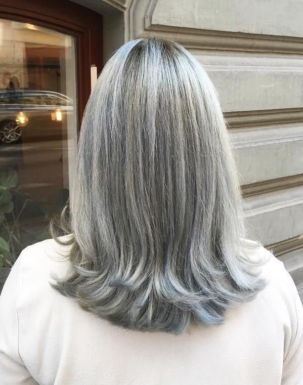 The-Gray-and-layered-hair 15 Beautiful Gray Hairstyles that Suit All Women Over 50