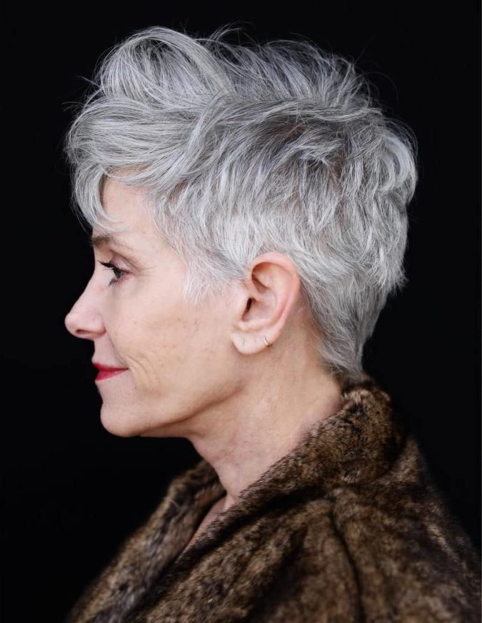 The-Gray-textured-hair-pixie-cut-675x872 15 Beautiful Gray Hairstyles that Suit All Women Over 50