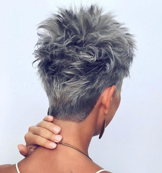 The-Gray-textured-hair-pixie-cut.-675x723 15 Beautiful Gray Hairstyles that Suit All Women Over 50