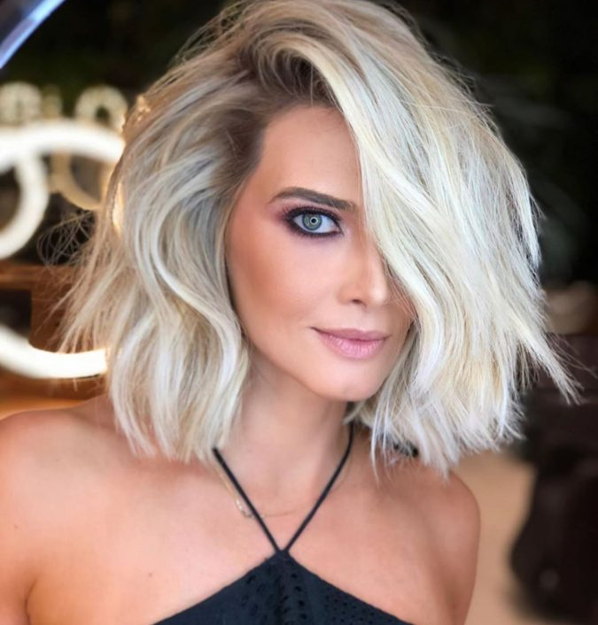 The-Icy-blonde.-2-675x706 20 Most Trendy Hairstyles for Women over 40 to Look Younger
