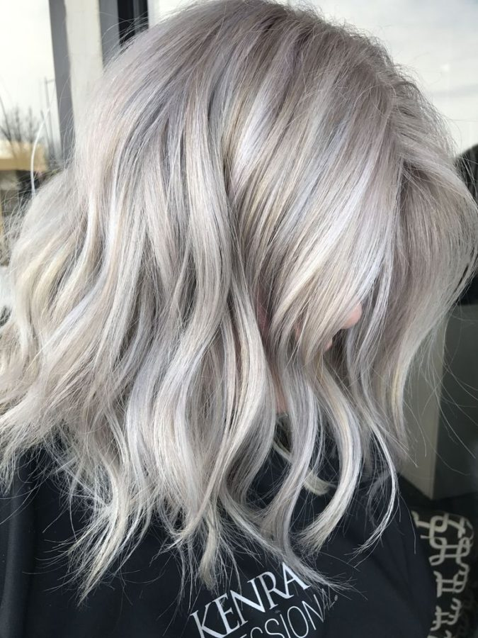 The-Icy-blonde.-675x900 20 Most Trendy Hairstyles for Women over 40 to Look Younger