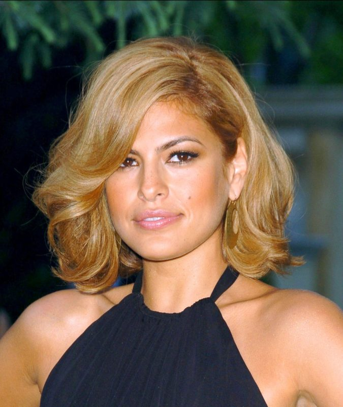 The-Voluminous-bob-1-675x802 20 Most Trendy Hairstyles for Women over 40 to Look Younger