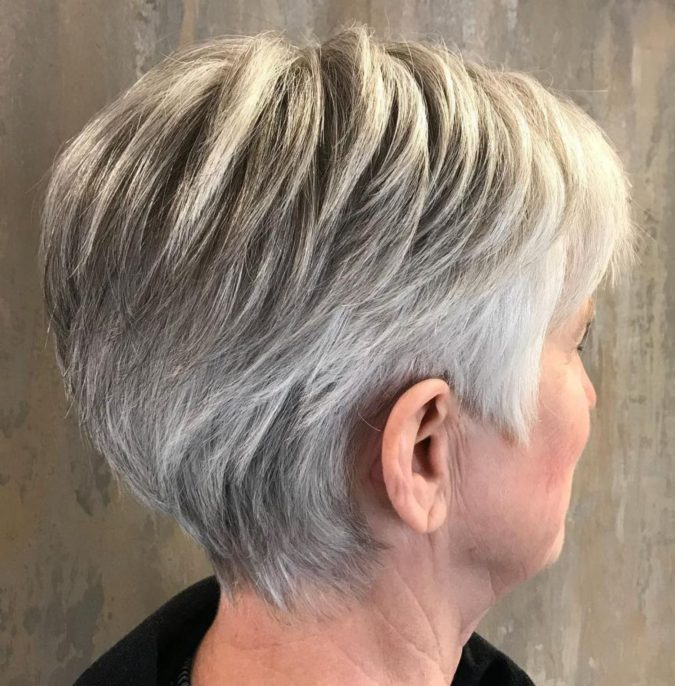 The-neat-feathered-gray-hair-pixie-1-675x686 15 Beautiful Gray Hairstyles that Suit All Women Over 50