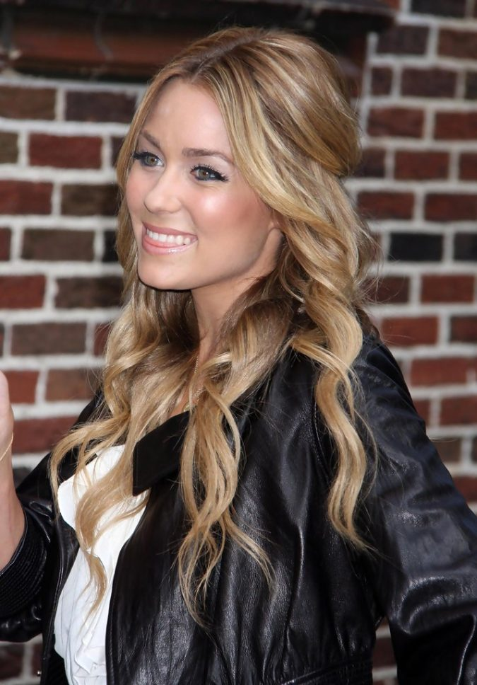The-relaxed-wavy-half-up.-2-675x968 20 Most Trendy Hairstyles for Women over 40 to Look Younger