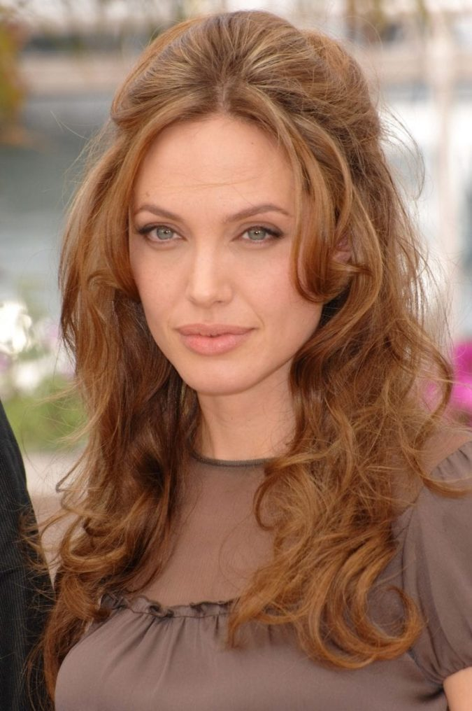 The-relaxed-wavy-half-up..-675x1016 20 Most Trendy Hairstyles for Women over 40 to Look Younger