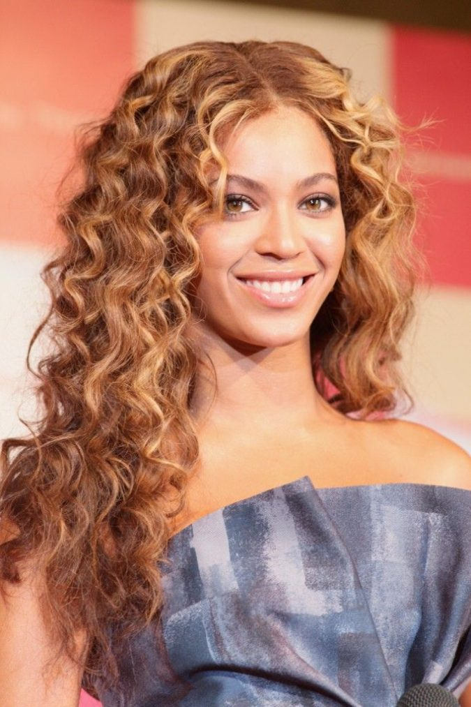 Tighter-long-hair-curls.-675x1013 20 Most Trendy Hairstyles for Women over 40 to Look Younger