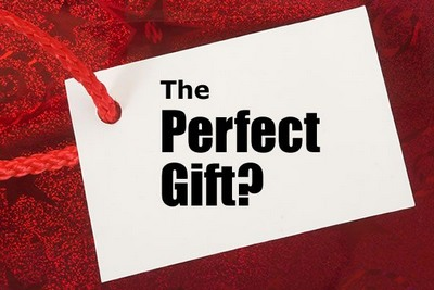 holiday-card-into-the-perfect-gift Top 5 Benefits of Using Custom Cards