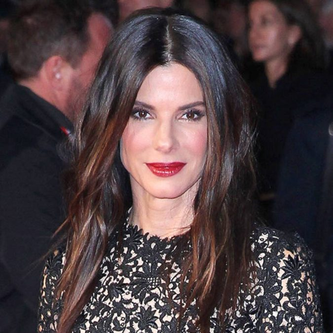 sandra-bullock-blush-makeup-675x675 Best 10 Colorful Face Makeup Looks to Try in 2020