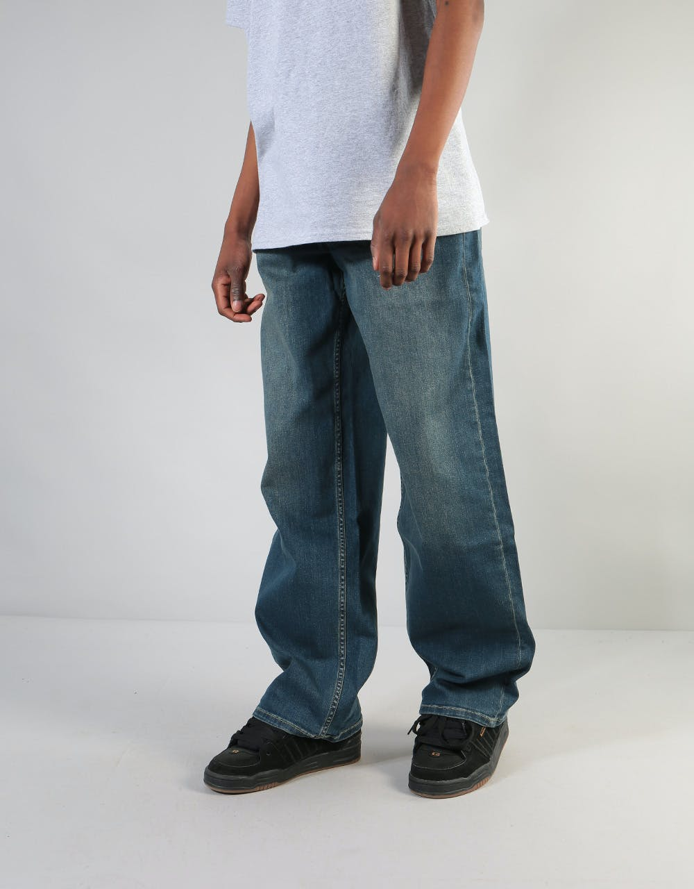 Baggy-Clothing. Top 10 Outdated Fashion & Clothing Trends to Avoid in 2020