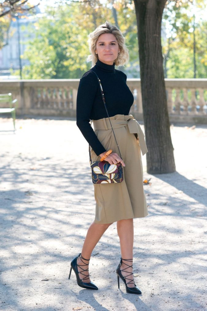 Black-Top-and-Camel-Skirt-1-675x1013 +45 Stylish Women's Outfits for Job Interviews for 2020