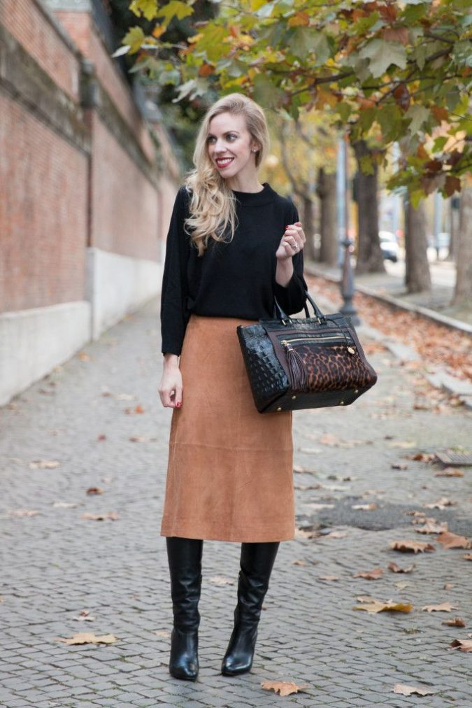 Black-Top-and-Camel-Skirt..-675x1012 +45 Stylish Women's Outfits for Job Interviews for 2020