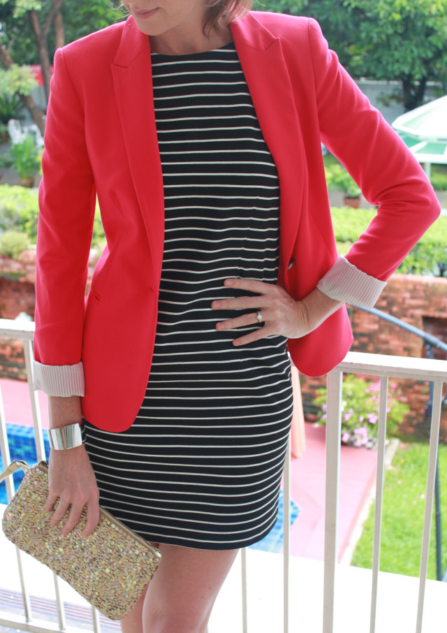 Black-White-and-Red-Outfit-3 +45 Stylish Women's Outfits for Job Interviews for 2021