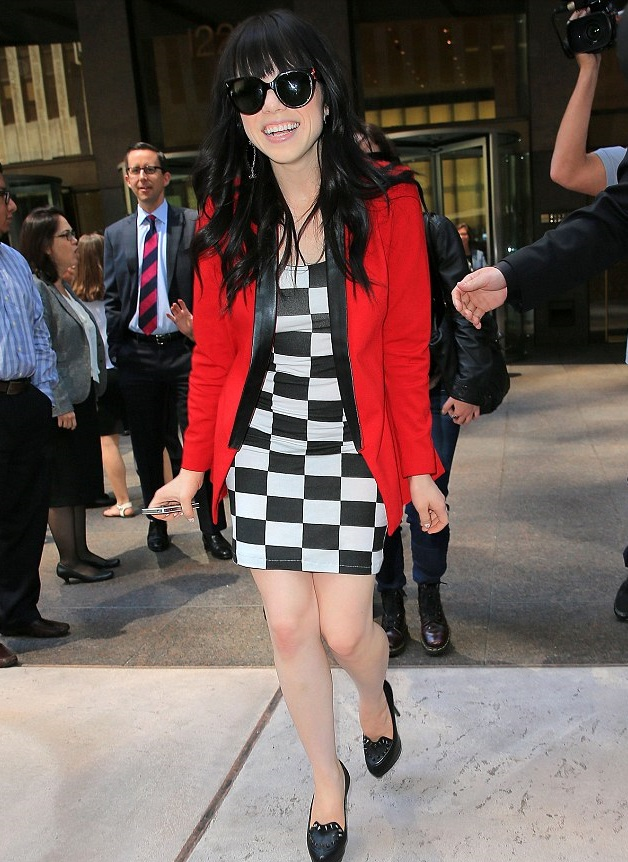 Black-White-and-Red-Outfit.-1 +45 Stylish Women's Outfits for Job Interviews for 2020