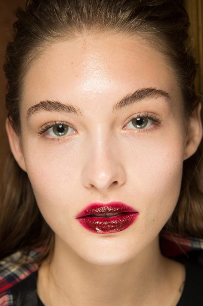 Blurred-lips-675x1013 Top 10 Outdated Beauty and Makeup Trends to Avoid in 2020
