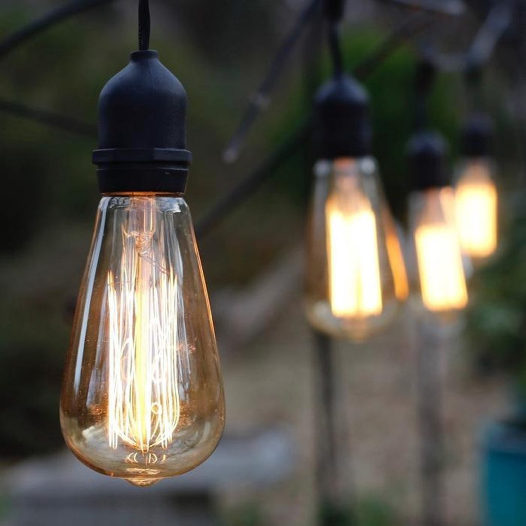 Edison-Bulbs.-1024x1024 Top 10 Outdated Home Decorating Trends to Avoid in 2021