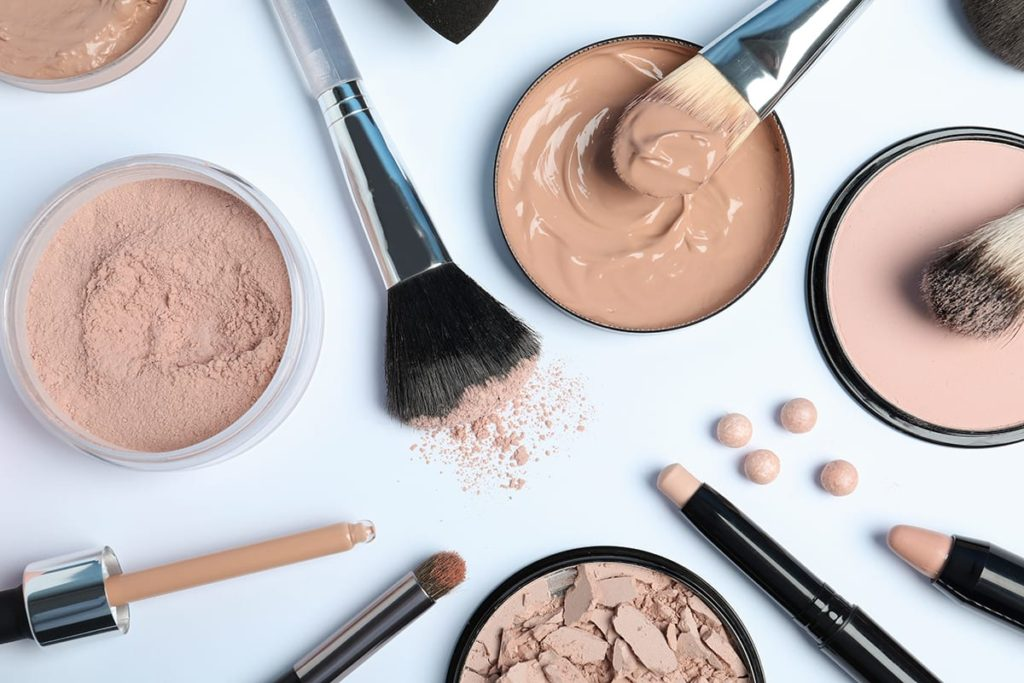 Foundation-and-Concealer-1024x683 10 Tips for Gorgeous Natural Makeup Looks in 2020