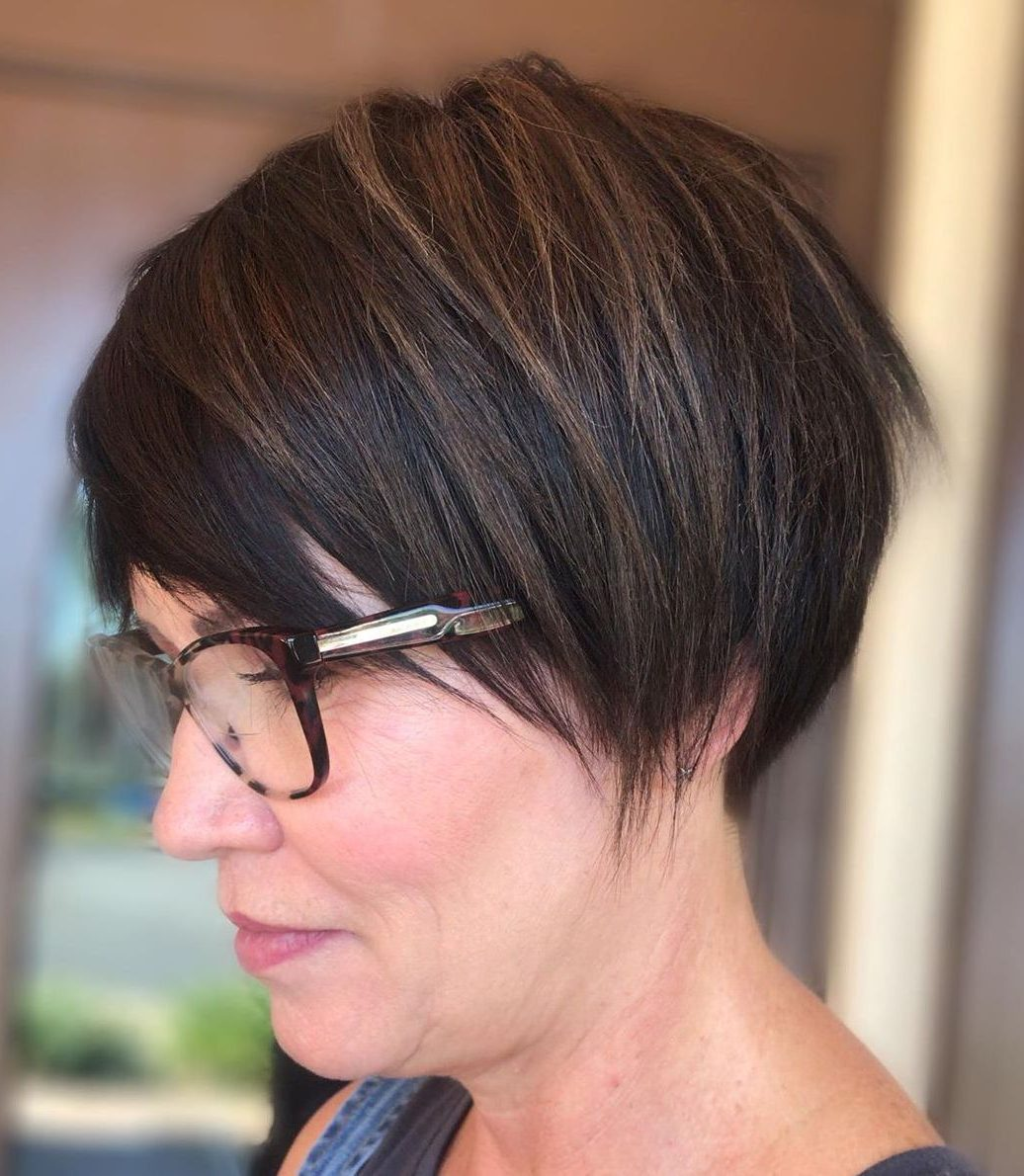 Highlights-for-Older-Women-e1597592191707 10 Hottest Hair Color Trends to Cover Gray Hair