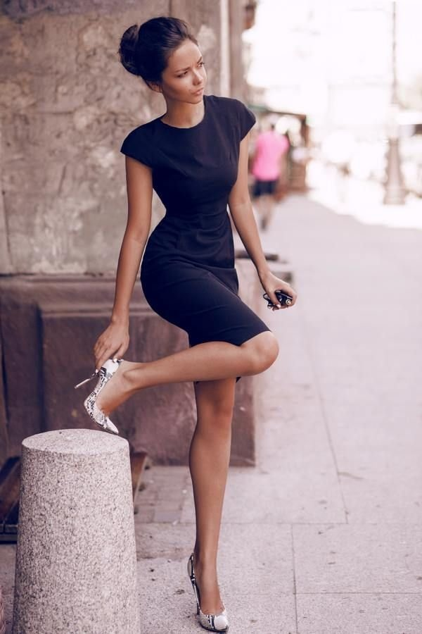 Little-Black-Dress.-1 +45 Stylish Women's Outfits for Job Interviews for 2021