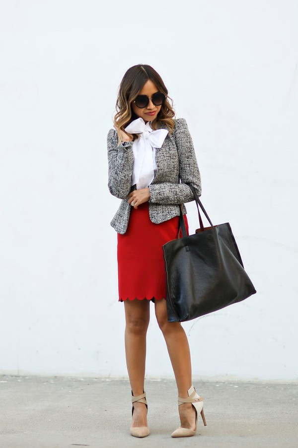 Put-a-Bow-On-It +45 Stylish Women's Outfits for Job Interviews for 2021